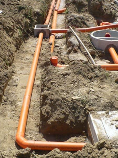 Realizzazione-scavi-posa-tubi